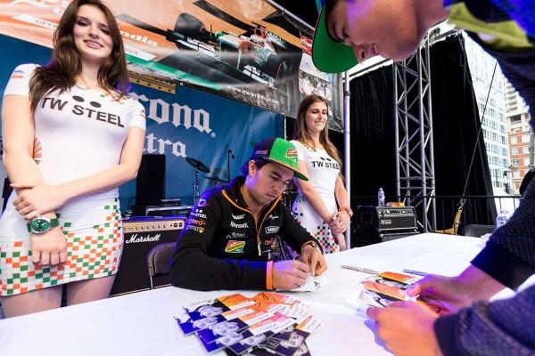 grand prix crescent - GP14-Perez-autographs-4