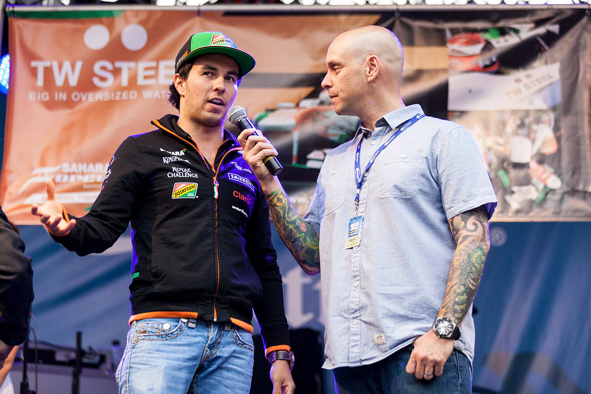 grand prix crescent - GP14-Perez-autographs-3